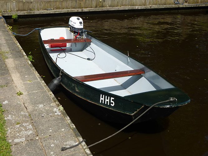 roeiboot-met-motor-hollema-eernevouwde